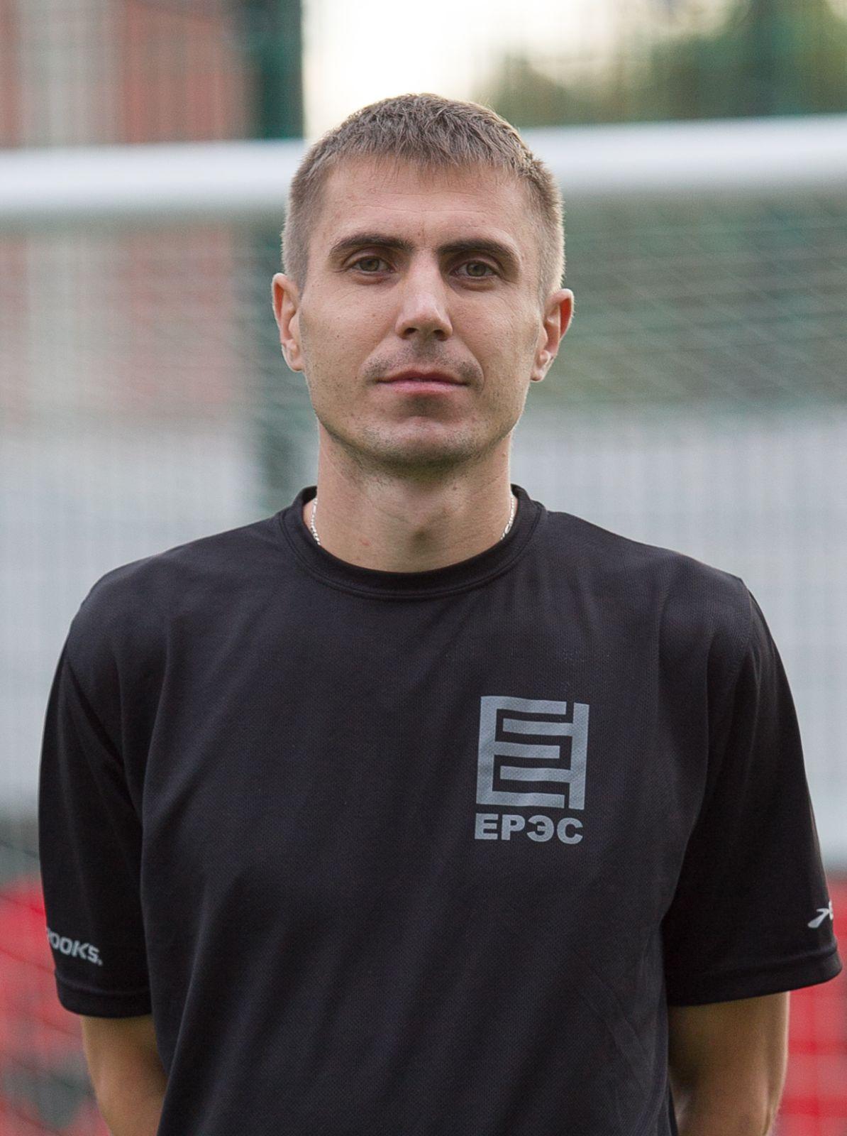Табакарь Роман